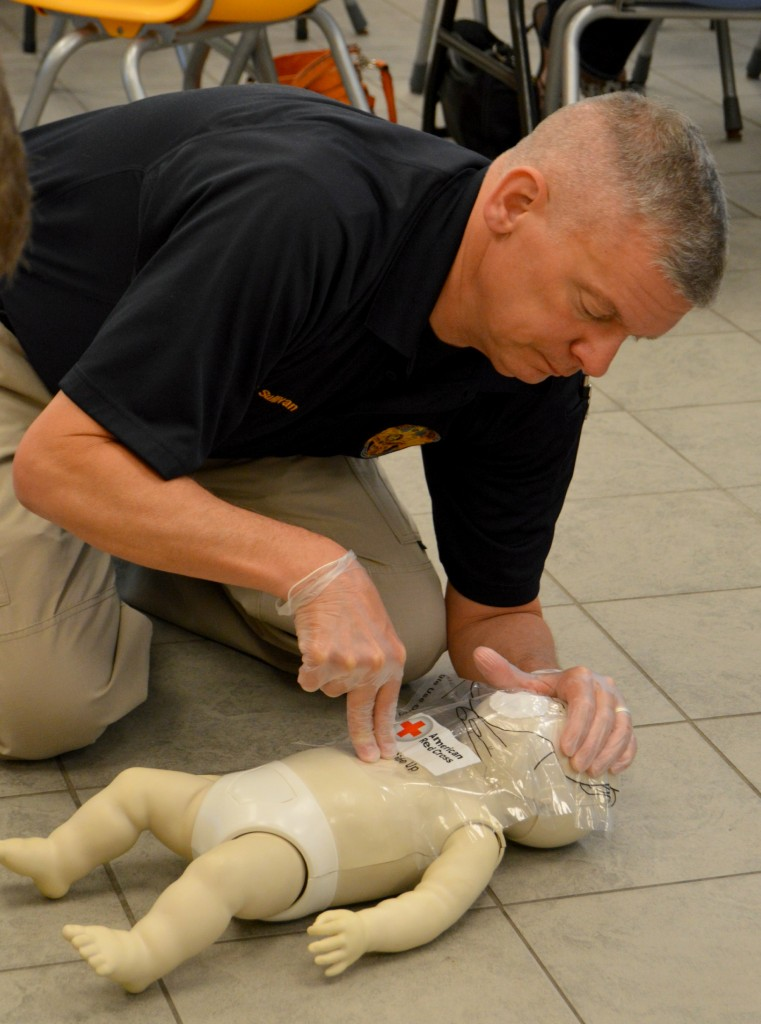 CPR training 015crop